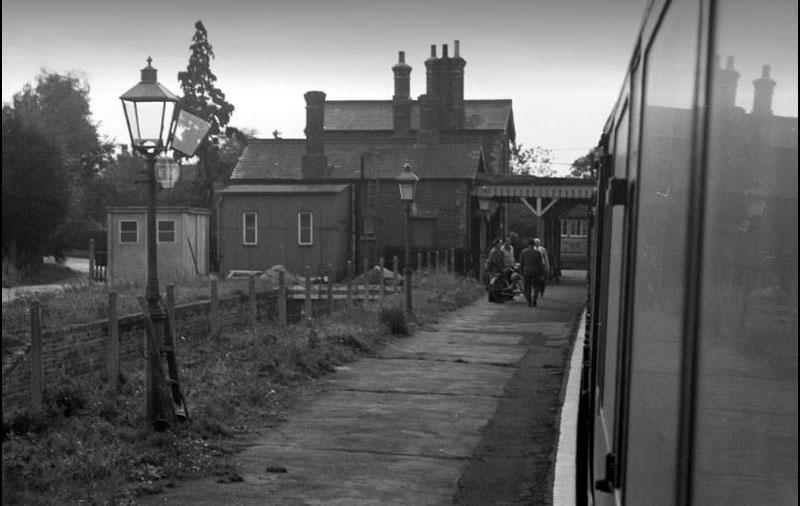 Hartfield-station-platform-from-train