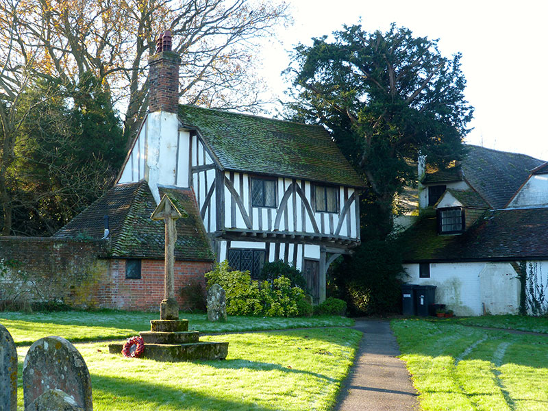 Lych-Gate-Cottage-from-churchyard