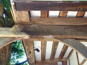 P1110201-Lychgate-inscription